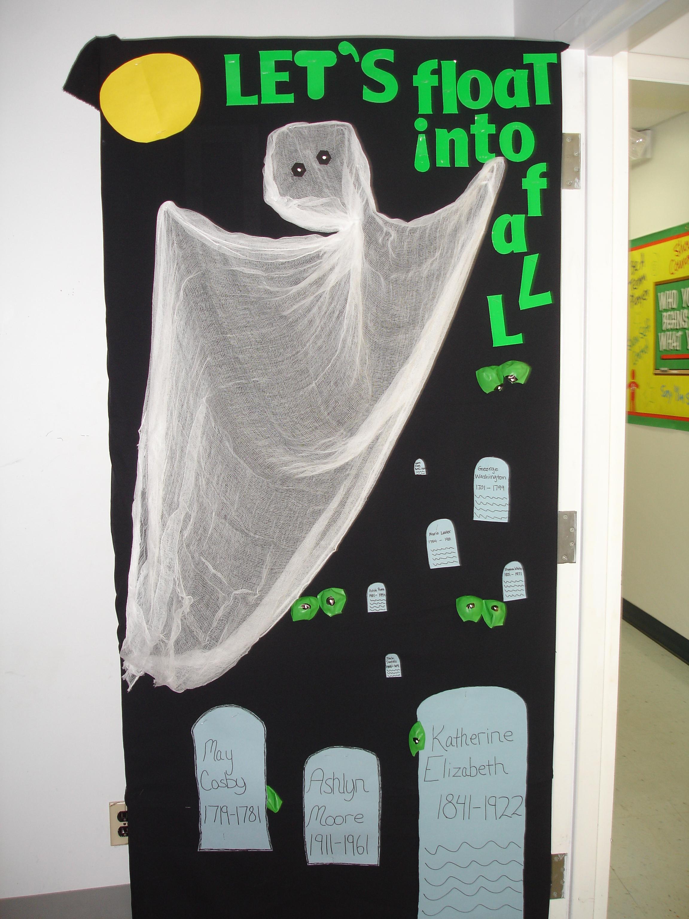 Halloween classroom door decorations ideas - Fall Door Decorating Contest